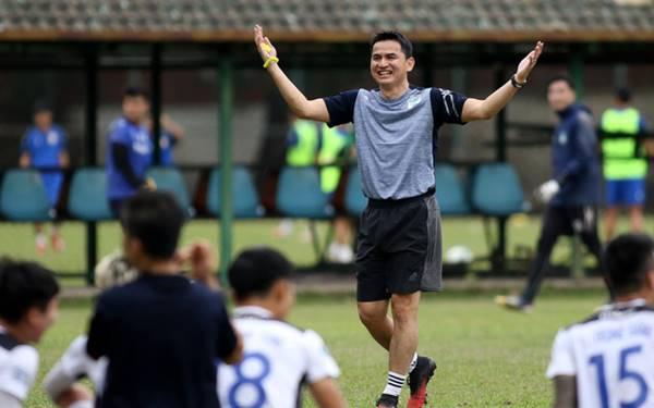 Kiatisak có quyết định khó tin về đội trưởng CLB HAGL ở V.League 2021