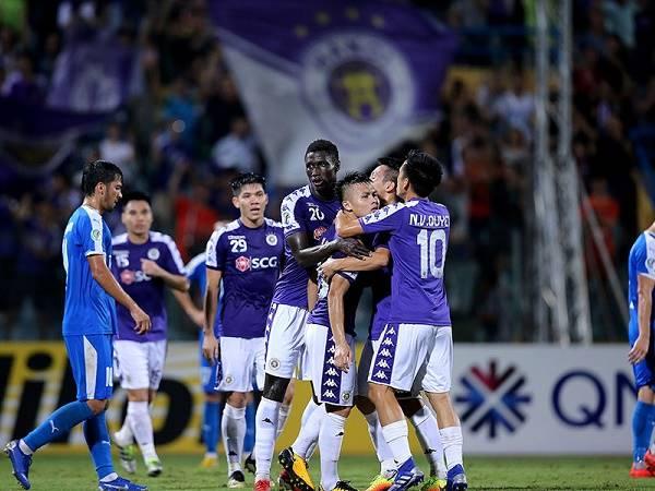 Bóng đá Việt Nam 18/3: Người cũ chê quân Hà Nội FC