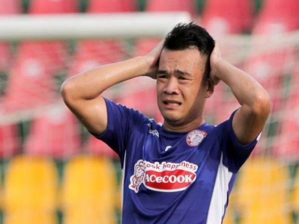 Tin bóng đá VN 25/3: HLV Polking: 'Hoàng Thịnh đang không ổn'