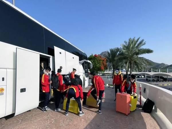 Bóng đá Việt Nam ngày 17/5: ĐT futsal Việt Nam có mặt tại UAE