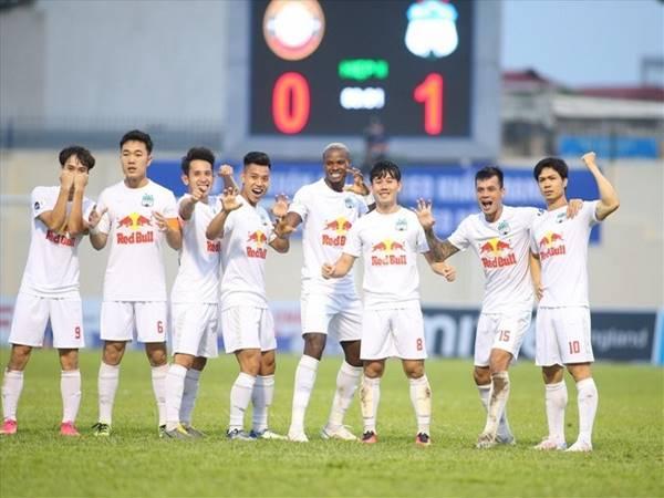 Bóng đá Việt 19/7: V-League tạm hoãn đến năm 2022