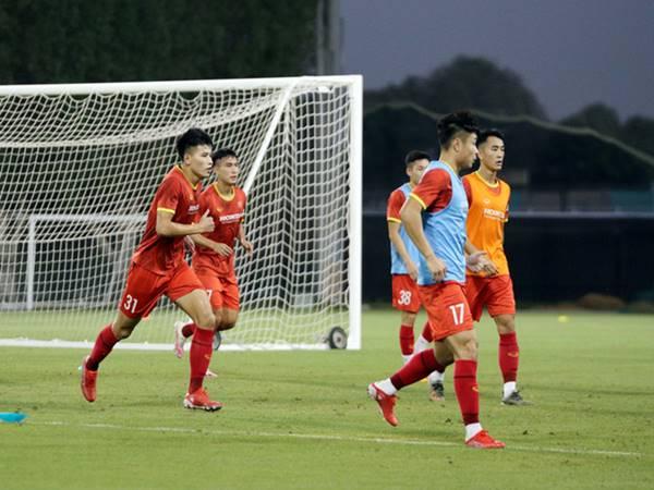 Bóng đá VN 14/10: ĐT U23 Việt Nam dốc sức tập luyện tại UAE
